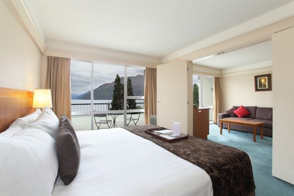 rydges queenstown room 1.jpg